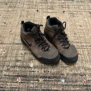 Men's Nike high top boots